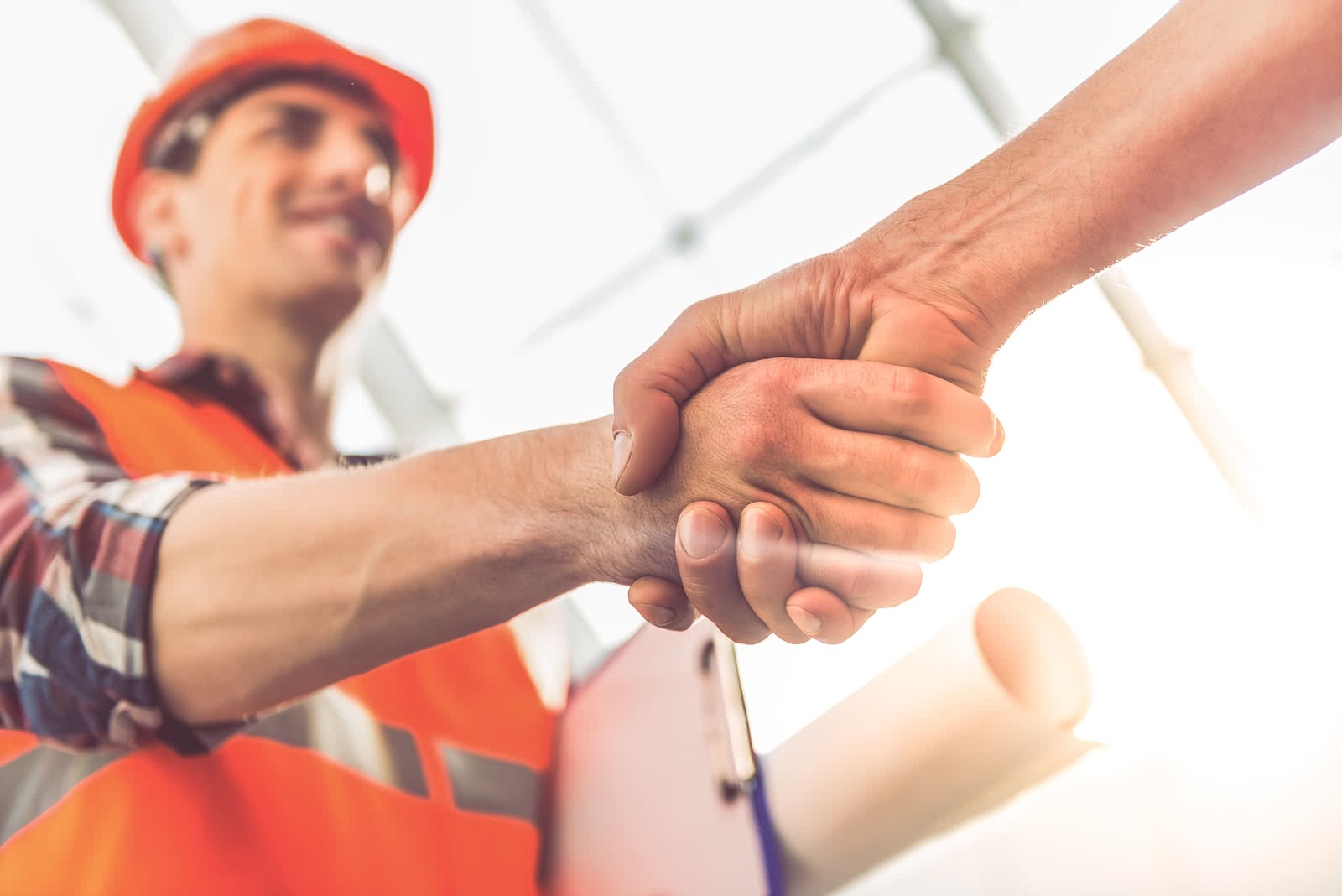Construction worker gets a loan without hurting his business credit score