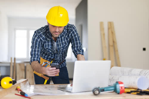 A contractor reseraches how to choose a bank for a small business.