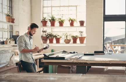 business owner considers purchase order financing vs invoice factoring